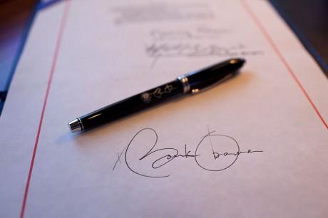 Obama-I-Have-A-Pen-460x306