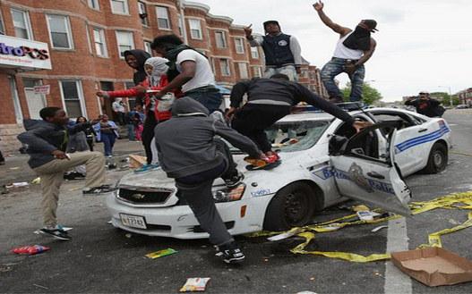 riot-baltimore-cop-car-destruction