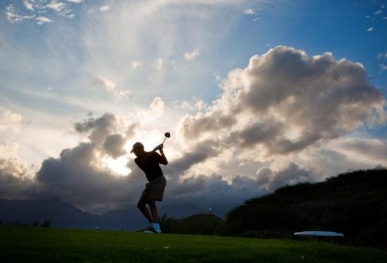 obama-christmas-golf-12272011-hawaii